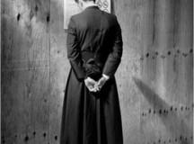 I preti e la storia: fregarsene o impegnarsi?